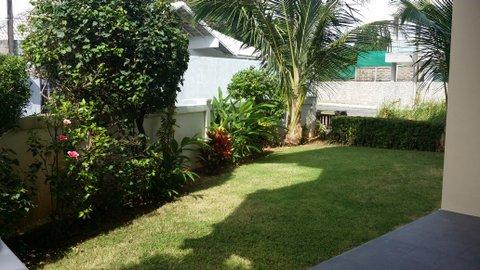 31 - garden left